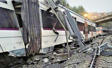 Spagna: deraglia treno vicino, 1 morto e 49 feriti