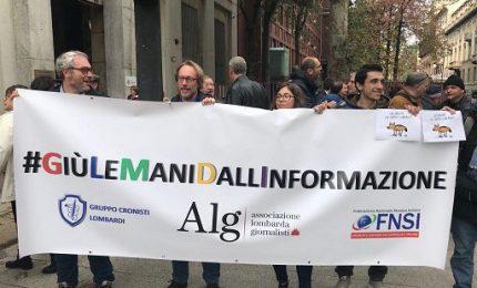 #GiùLeManiDallInformazione, flash mob giornalisti a Milano