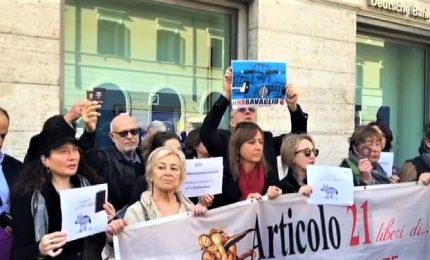 Roma, flashmob dei giornalisti: attaccano ruolo informazione