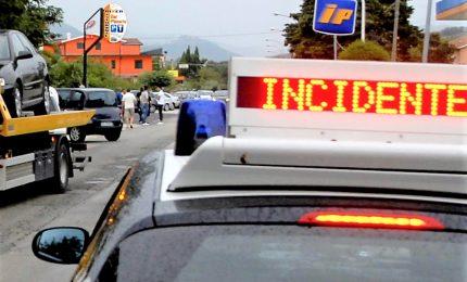 Auto si scontra con un trattore, tre morti a Ravenna