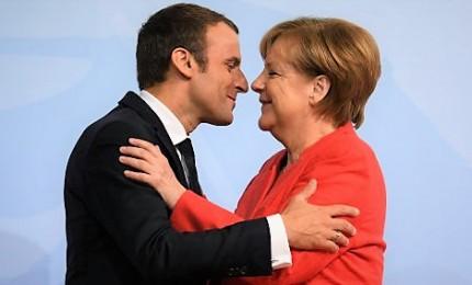 Macron e la Merkel ripartono dall'Ue pensando alle urne