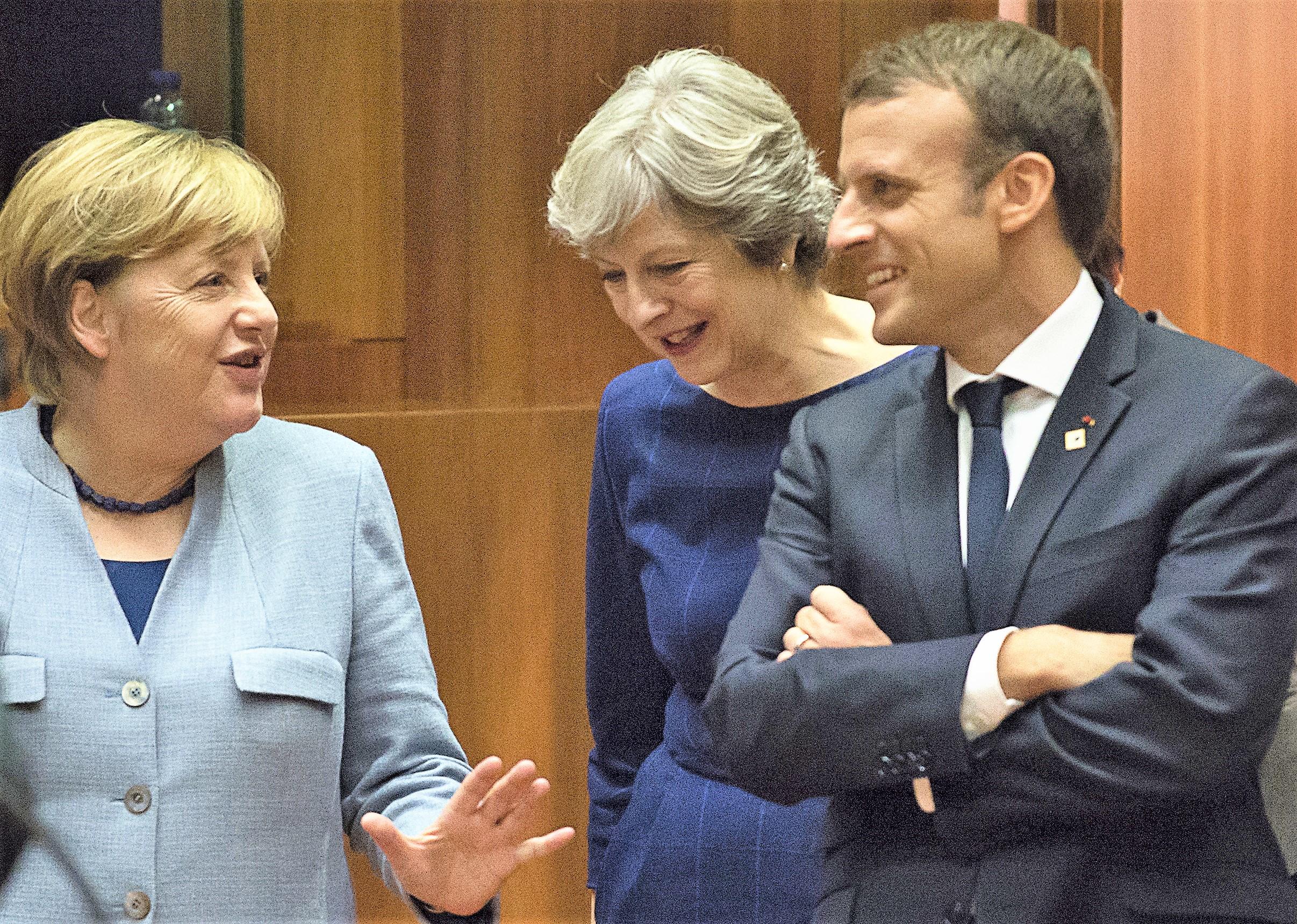 Gran Bretagna con un piede fuori dall'Ue, ora tocca al parlamento britannico