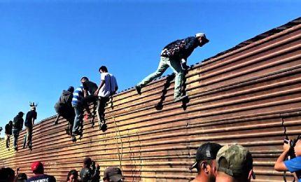 Migranti, riapertura della frontiera Usa-Messico