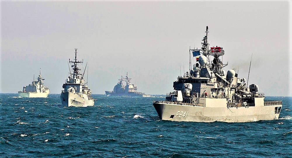 La Russia cattura 3 navi ucraine nel Mar Nero, Ucraina verso la legge marziale