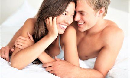 Vita sessuale, 3 italiani su 4 soddisfatti. Ma dialogo padre-figli è tabù