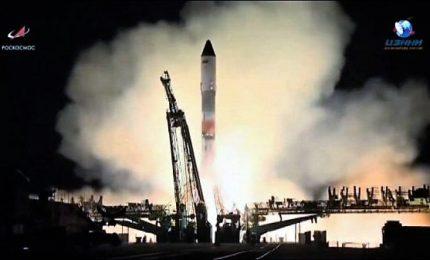 Il lancio della Progress Ms-10 visto dall'ISS