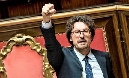 Il dl Genova è legge ma in Senato è bagarre. Ora sono 10 i dissidenti del MoVimento 5 stelle