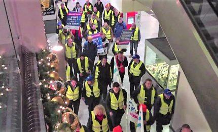 In Germania i ferrovieri scioperano con gilet gialli