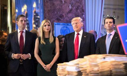 """La Procura costringe Trump a chiudere la sua fondazione: usata come """"libretto assegni personale"""""""