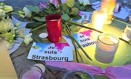 Strasburgo piange le vittime, polizia nei mercatini