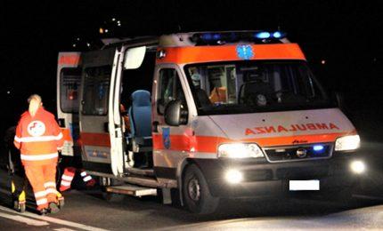 Scontro fra due auto e furgone in A4, un morto e 2 feriti