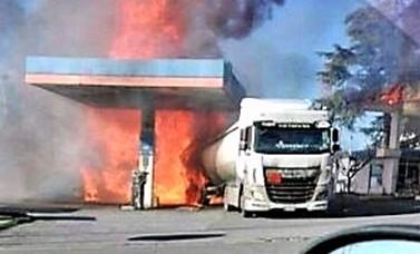 """Esplosione Salaria, 2 morti e 17 feriti. Questore: """"L'autocisterna si è trasformata in una bomba"""". Mattarella: cordoglio per le vittime"""