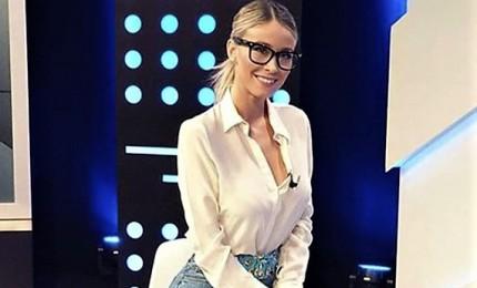 Niente più mini abiti e scollature vertiginose, Diletta Leotta cambia look