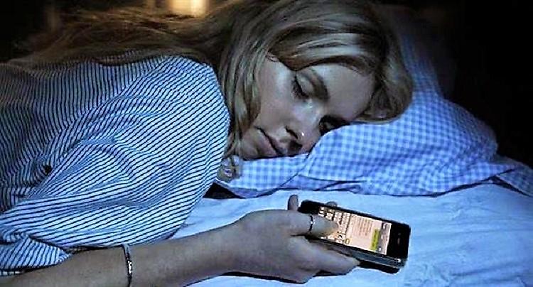 """""""Sleep texting"""", ragazzi inviano messaggi anche nel sonno"""