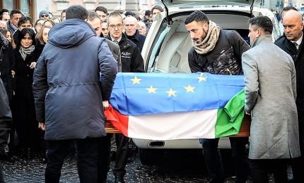 """Omelia funerali di Megalizzi: """"Un pezzo di cielo e' sceso in terra e ora vi fa ritorno"""""""
