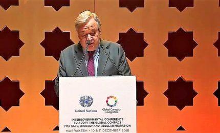 Approvato a Marrakech il patto mondiale Onu sulla migrazione: Italia assente, ovazione per la Merkel