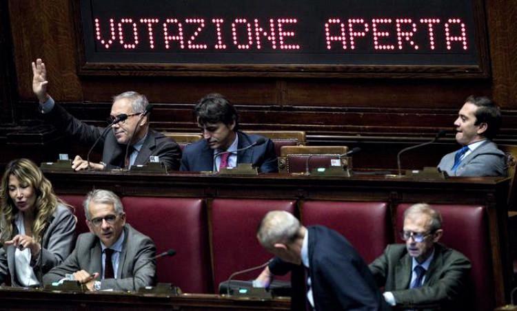 Pdl maggioranza a Camera, verso primo incontro su legge elettorale