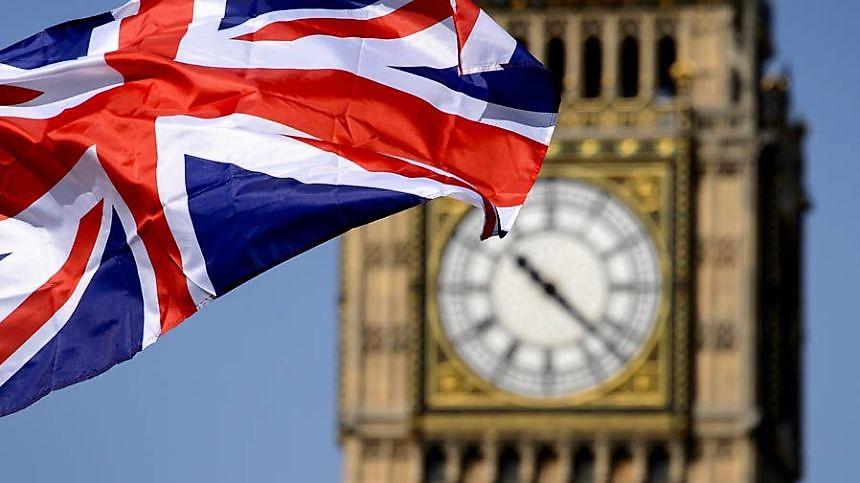 Gran Bretagna, giro di vite su visto di lavoro: porte aperte solo a persone qualificate