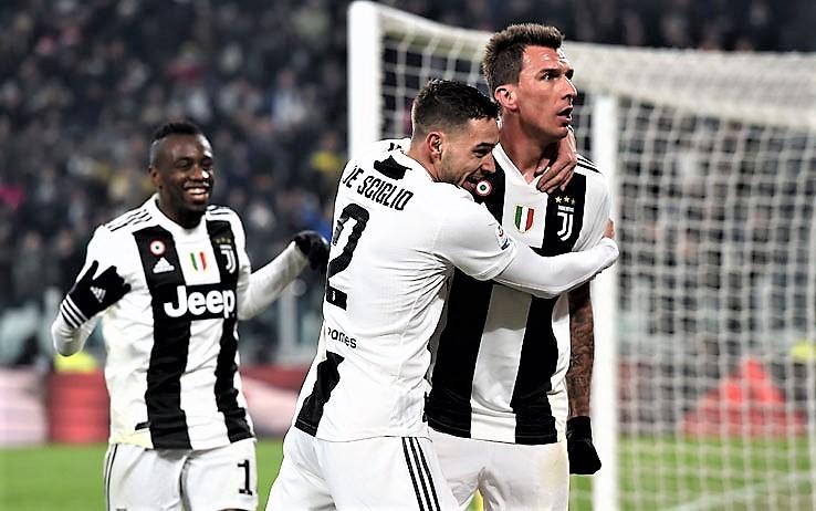 """Serie A calcio: Juve campione d'inverno, milanesi """"steccano"""""""
