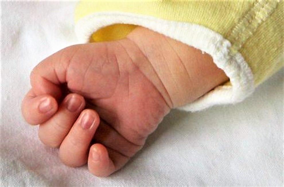 CATANIA - Avrebbe ucciso il neonato lanciandolo per terra: mamma arrestata