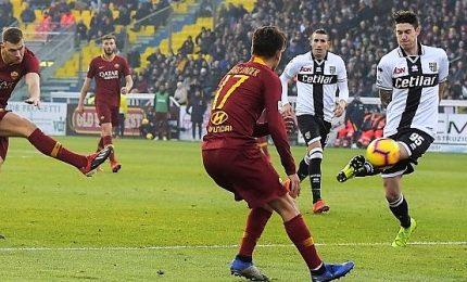 Roma spietata a Parma, zona Champions si riavvicina