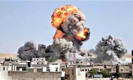 Raid israeliani hanno colpito depositi di armi. Neutralizzato missile vicino Damasco