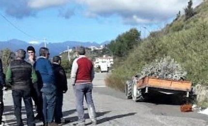 Cade dal trattore, bimbo di 7 anni muore nel Reggino