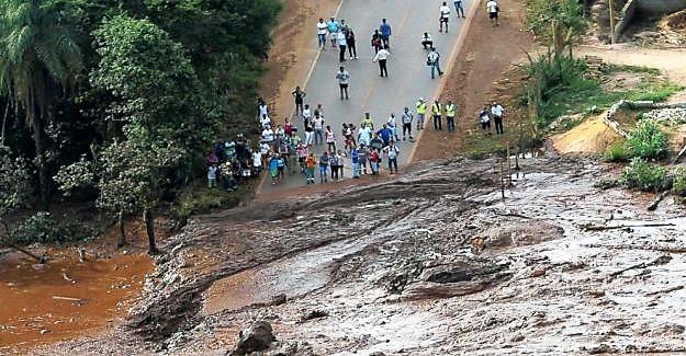 Crolla una diga in Brasile, 7 morti e 150 dispersi
