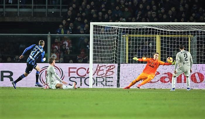 Atalanta gioca da Dea, Zapata elimina la Juve