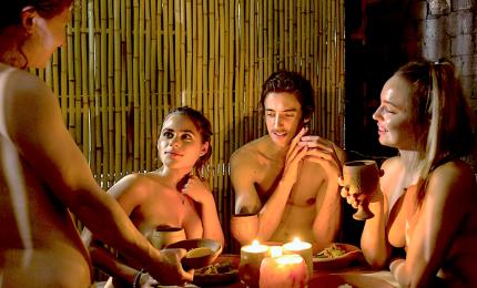 """Chiude """"O'Naturel"""", il primo ristorante nudista di Parigi"""