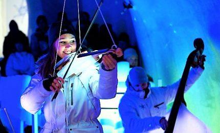 Un concerto con strumenti di ghiaccio sulle Alpi italiane
