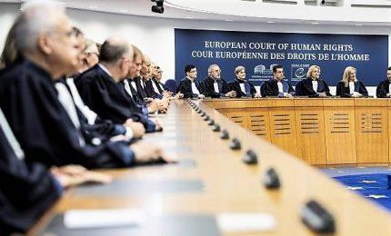 La Corte europea dà ragione all'Italia: sì assistenza alle persone, no sbarco obbligatorio