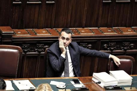 """Nel M5s esplodono i """"malpancisti"""", al Senato è scontro su leadership Di Maio"""