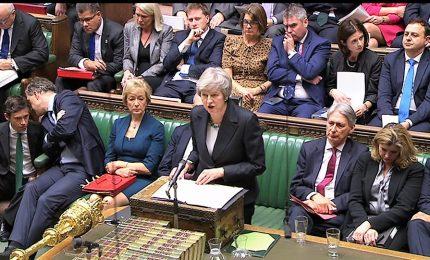 Brexit, sterlina perde terreno dopo il parere di Cox. Stasera voto su ultimo accordo con l'Europa