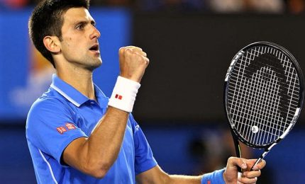 Australian Open, sfida a distanza Djokovic-Federer