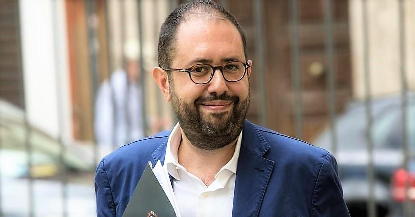 Pd, Mozione Martina contro Zingaretti su doppio incarico