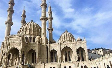 """Baku modello di tolleranza, in moschea """"preghiera dell'unità"""""""