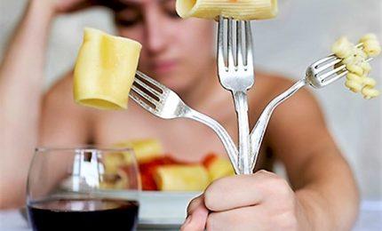 Continuano ad aumentare i disturbi alimentari, età scende a 11 anni