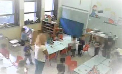 Botte e umiliazioni ai bambini in un asilo vicino a Roma. Arrestate tre maestre e una collaboratrice scolastica
