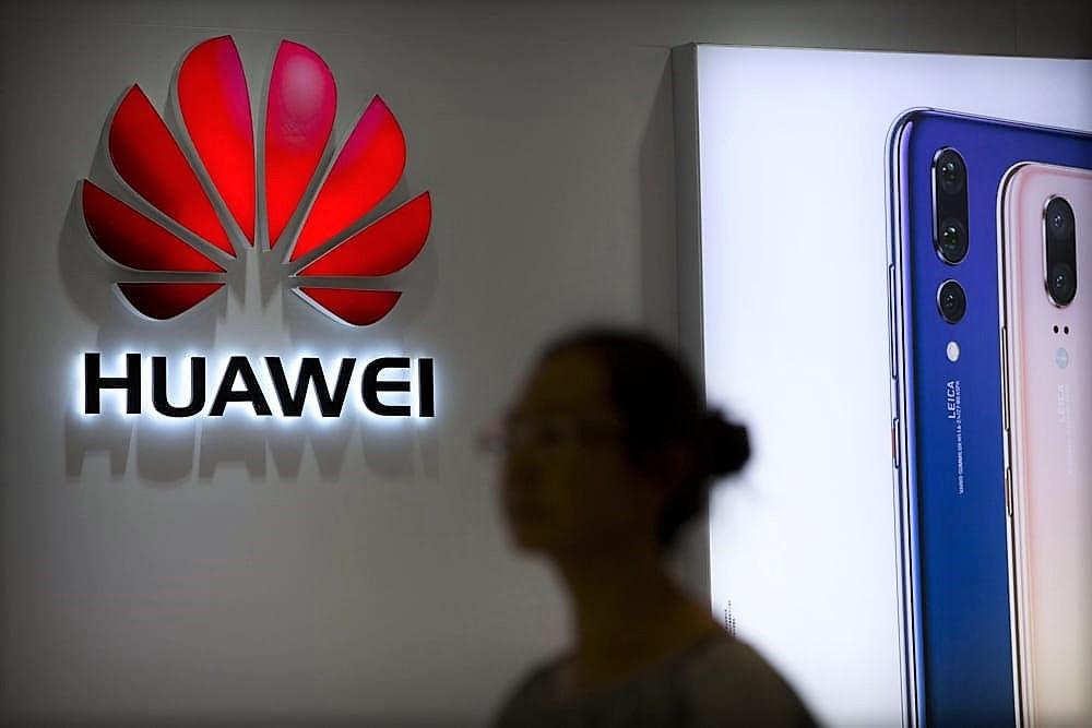 """Huawei contrattacca: """"Continueremo a fornire aggiornamenti"""". E la Cina sostiene azioni legali dopo strappo Google"""