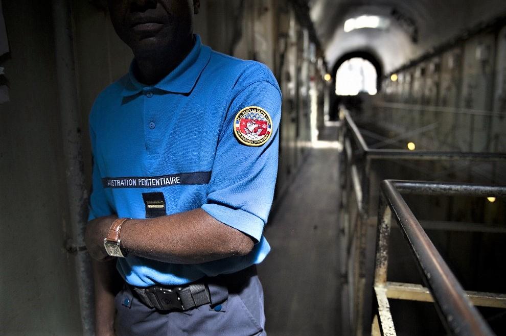 Rinnovato il carcere di Parigi, tra i servizi telefono fisso in cella