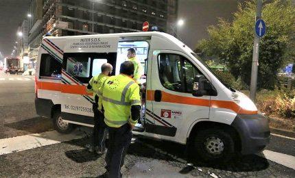 Motociclista sbalzato di sella, muore 37enne