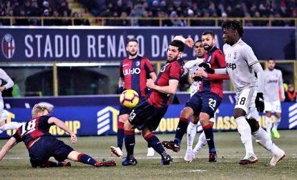 Un gol per tempo, Juve passa facile a Bologna