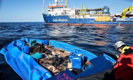 """La nave Sea Watch verso il porto di Catania. Salvini: """"Pm considerino le irregolarità a carico della ong"""""""