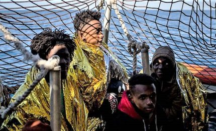 """Malta autorizza sbarco migranti Sea-Eye. Muscat: """"Nessuno rimarrà nell'isola"""""""