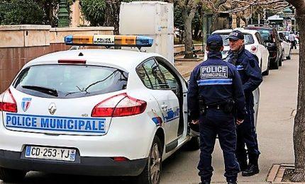 Sparatoria e presa ostaggi a Bastia, un morto e 6 feriti