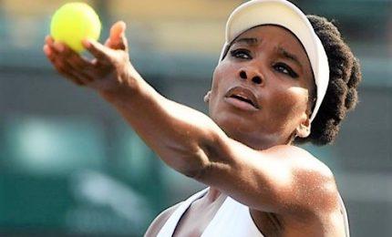 Wimbledon: Serena in finale con Halep, caccia al record