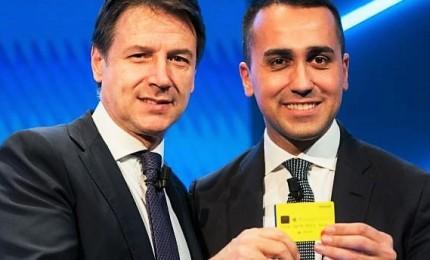 """Di Maio svela la """"Numero 1"""", prima card per reddito cittadinanza"""