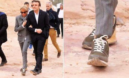 E' bufera su Brigitte con le scarpe Vuitton in Egitto