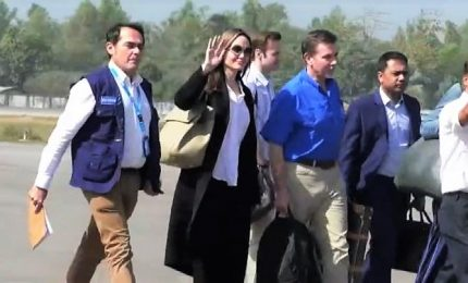 Angelina Jolie in Bangladesh per incontrare i profughi Rohingyas